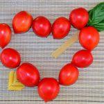 Tomatenherz mit Spaghettipfeil